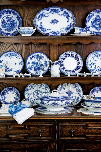 asheville north carolina interior designer kathryn greeley presents ways with antiques focusing on displaying your collections