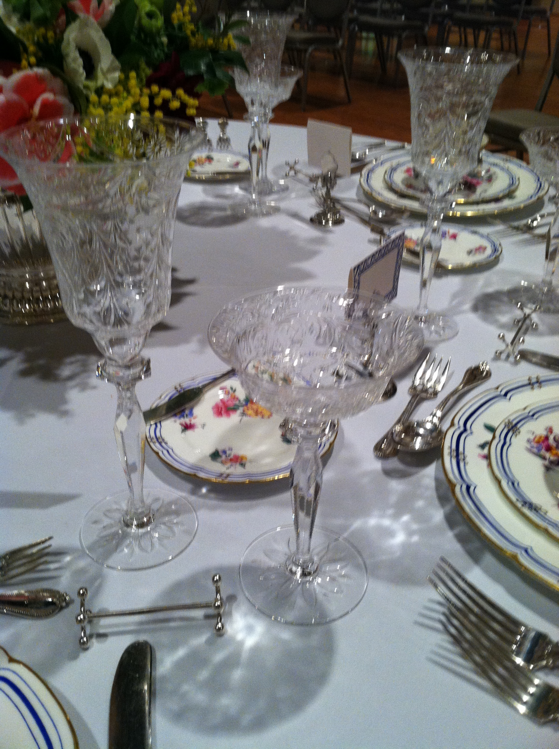 north carolina interior designer kathryn greeley uses hawkes crystal in tabletop design in aiken sc at the antiques in the heart of aiken show