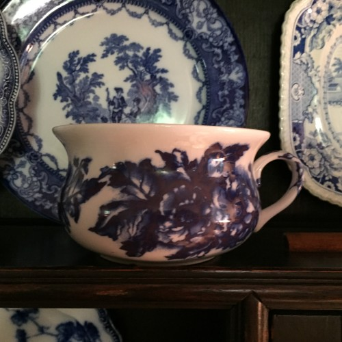 north carolina interior designer kathryn crisp greeley shows inspiring images of blue and white porcelain